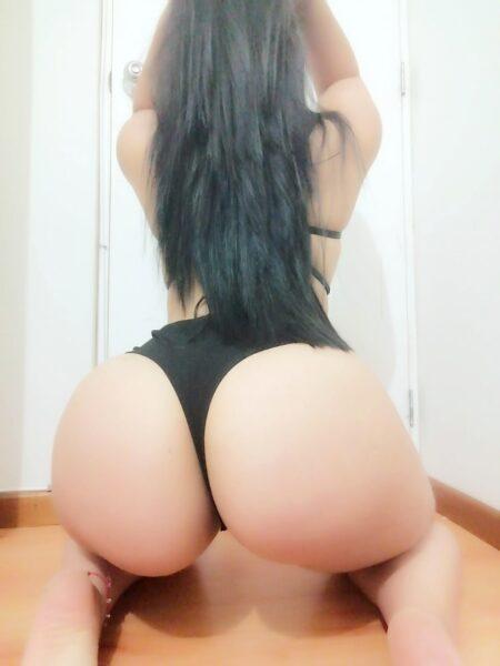 Angela soy una joven colombiana amor con una bella figura y estoy dispuesta a complacerte